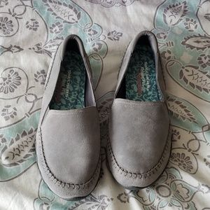 NWOT Sketchers relaxed fit shoes
